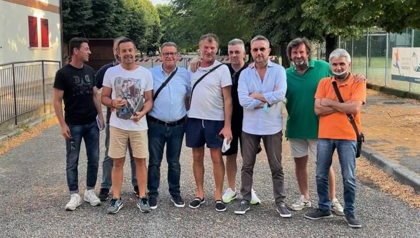 Foto di gruppo per i fondatori del progetto AST Team